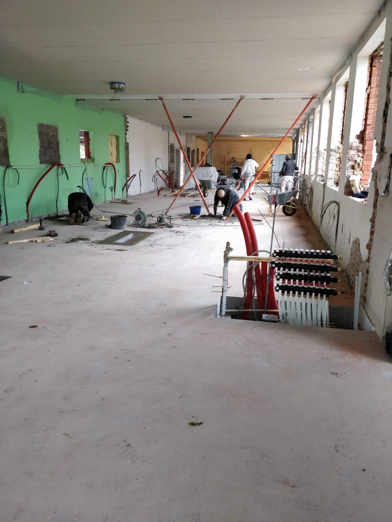 Nystøbt gulv i køkken på Paradisbakkeskolen