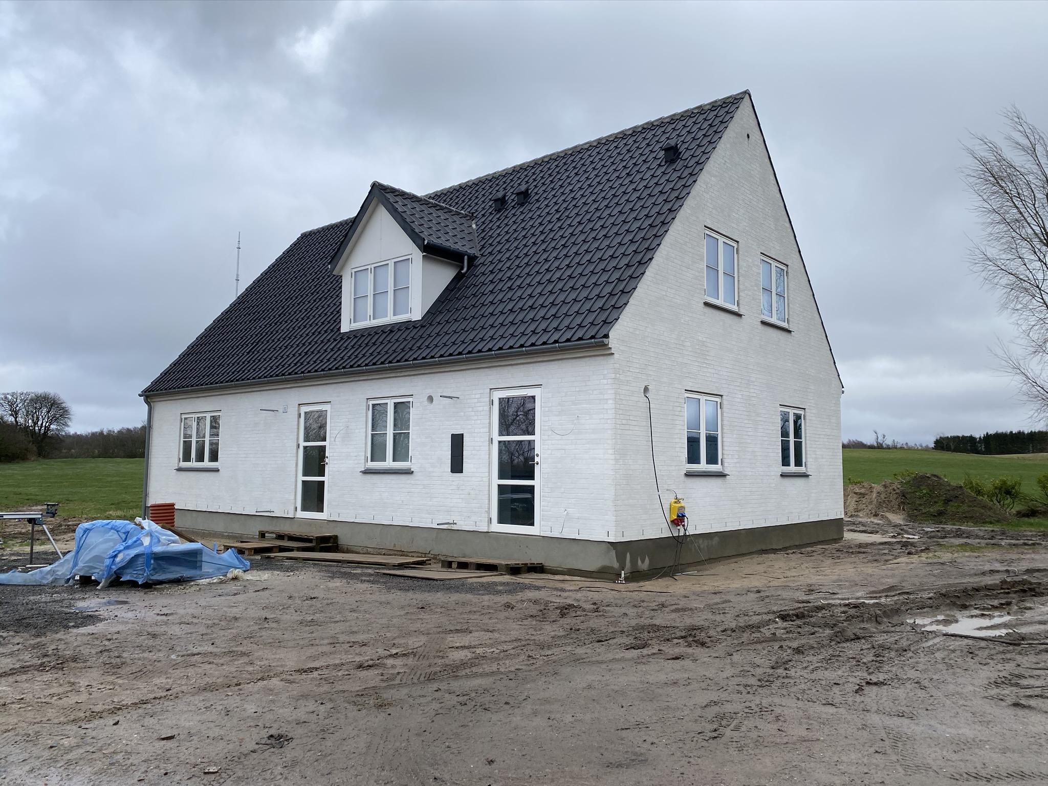 Nyt stuehus på brandtomt